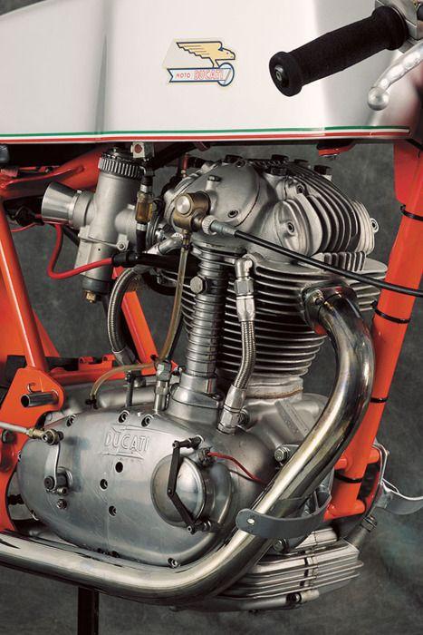 Vintage Ducati single #cafe #motorcycle #Cretins