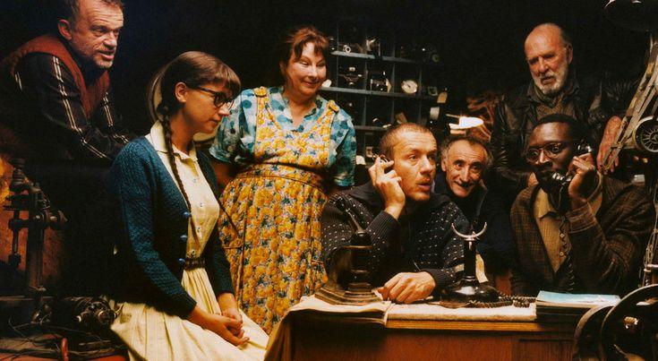 Французские фильмы — как бокал хорошего вина: поднимают настроение и дарят приятное послевкусие. Интересный сюжет, тонкий юмор и отменная игра актеров — легкая французская комедия …