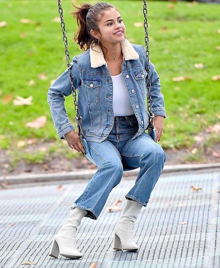 Selena Gomez at a park in Burbank California [November 2] @selenagomez en un parque en Burbank California [Noviembre 2] #SelenaGomez #Selena #Selenator #Selenators #Fans