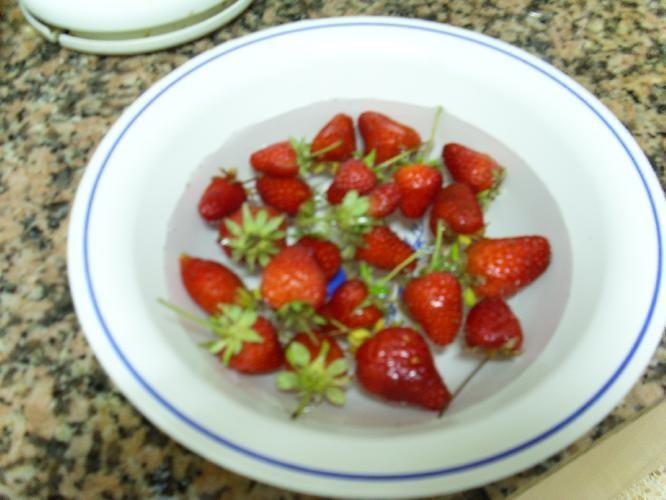 Batido de Fresas, Manzana y Aguacate. (Jugo).
