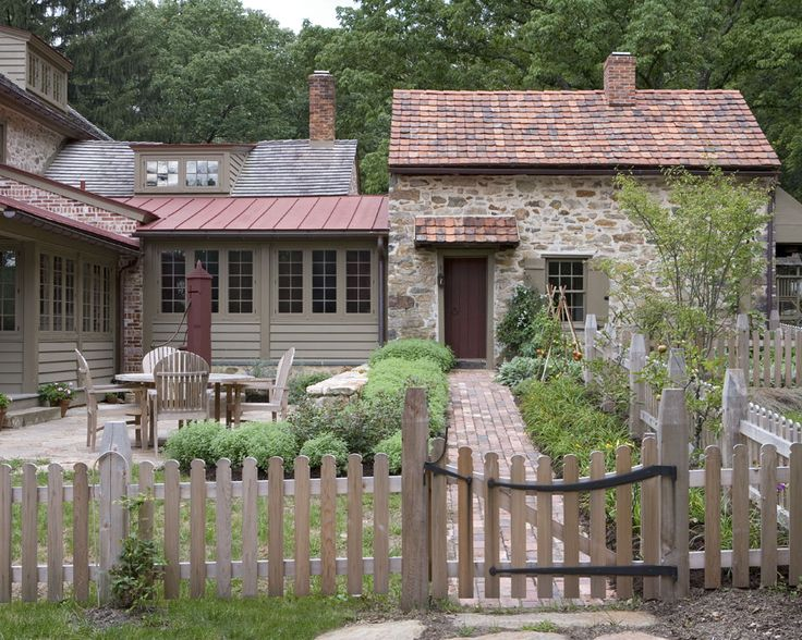 1000 images about neat country homestead on pinterest for Saltbox house additions