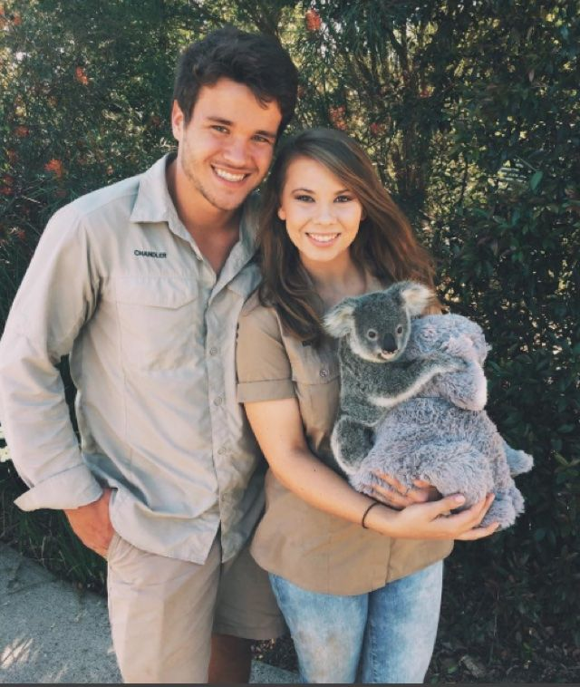 Bindi Irwin and Boyfriend + Baby Koala - so cute