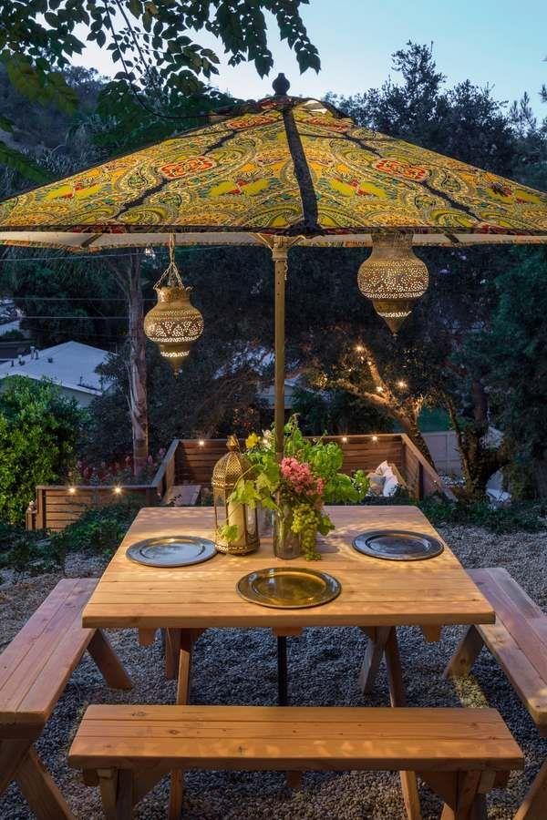 patio lighting ideas Moroccan lanterns hanging lanterns ideas outdoor dining furniture