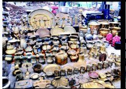 Junna Bazaar, Pune. Old is gold. What better way to understand this age old proverb than visiting junna bazaar. Located near Mangalwar Peth, this market gets packed up on Sundays with all types of interesting stuff.