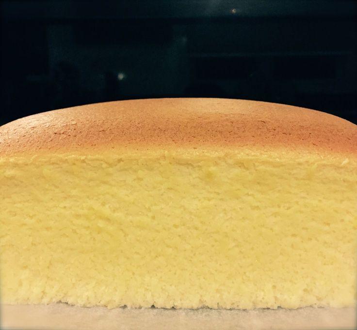 Durian Cotton Cheesecake Ingredients: 175g cream cheese 75g durian flesh 5 egg yolks 60g castor sugar 50g butter 150g full cream milk 60g cake flour 20g cornflour 1/4 tsp salt 1 tsp Vanilla extract…