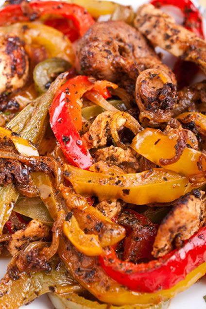 Delicious Pollo Frito Receta (Mexican Pan Fried Chicken with Tomatoes)