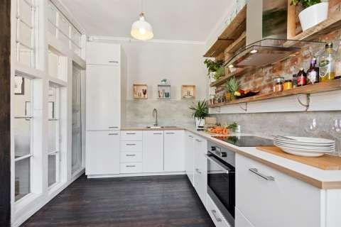 FINN – Grønland: En unik og aldeles nydelig 2-roms. Teglsten, rosett/stukkatur, tregulv, god planløsning og moderne kjøkken/bad