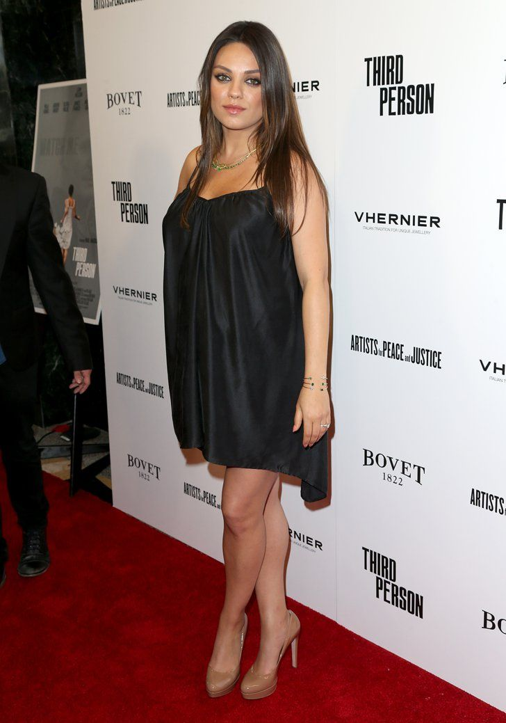Pin for Later: Mila Kunis, enceinte de 7 mois et rayonnante sur le tapis rouge de Third Person !