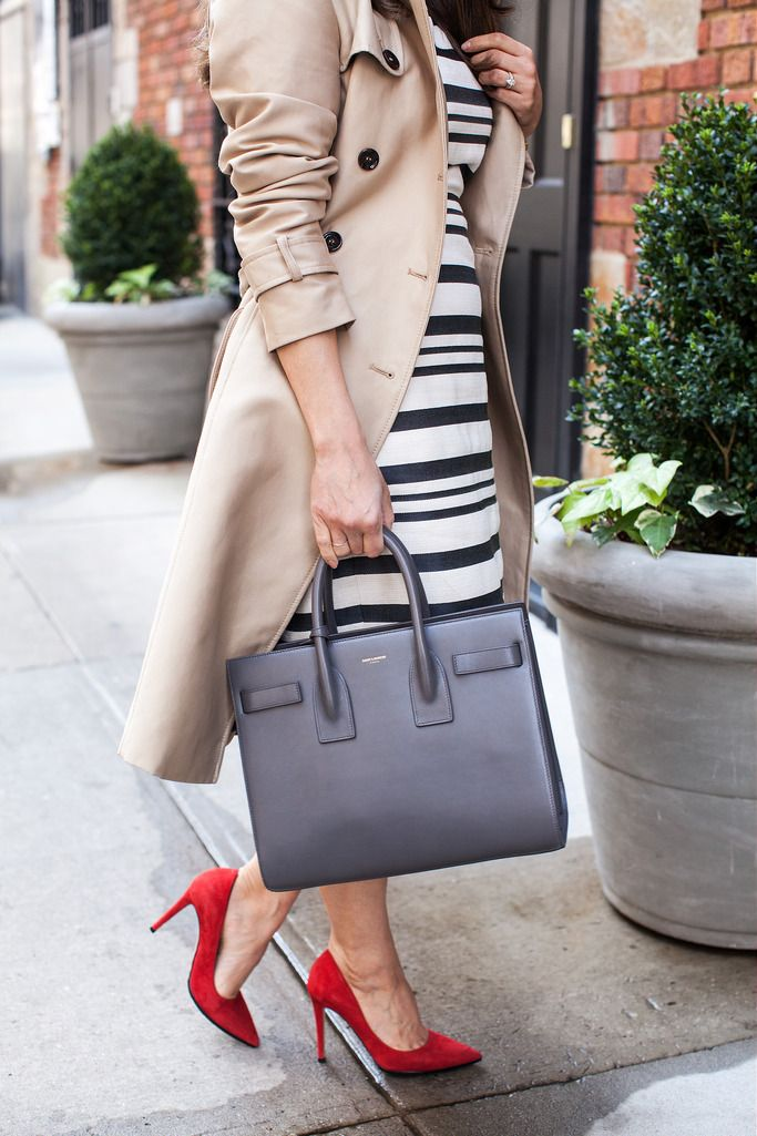 Черно-белое платье jcrew платье, что надеть, чтобы работать формальный наряд красные каблуки, как носить красную помаду zara траншеи burberry траншеи аналогичные prada кошка глаза солнцезащитные очки dvf bethany каблуки профессиональное снаряжение nyc fashion blogger, что надеть в жемчуг жемчужное ожерелье saint laurent sac de Jour trendy bags большие сумки для мешков дизайнерские сумки для работы
