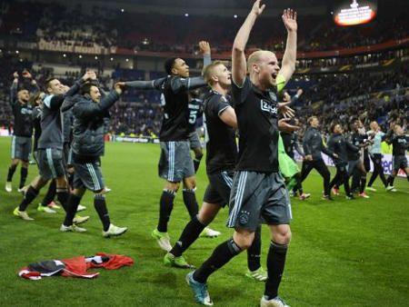 アヤックス ヨーロッパリーグ2017決勝進出 21年ぶり