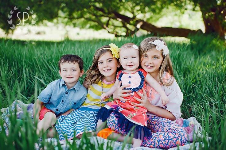 Family photo ideas - siblings