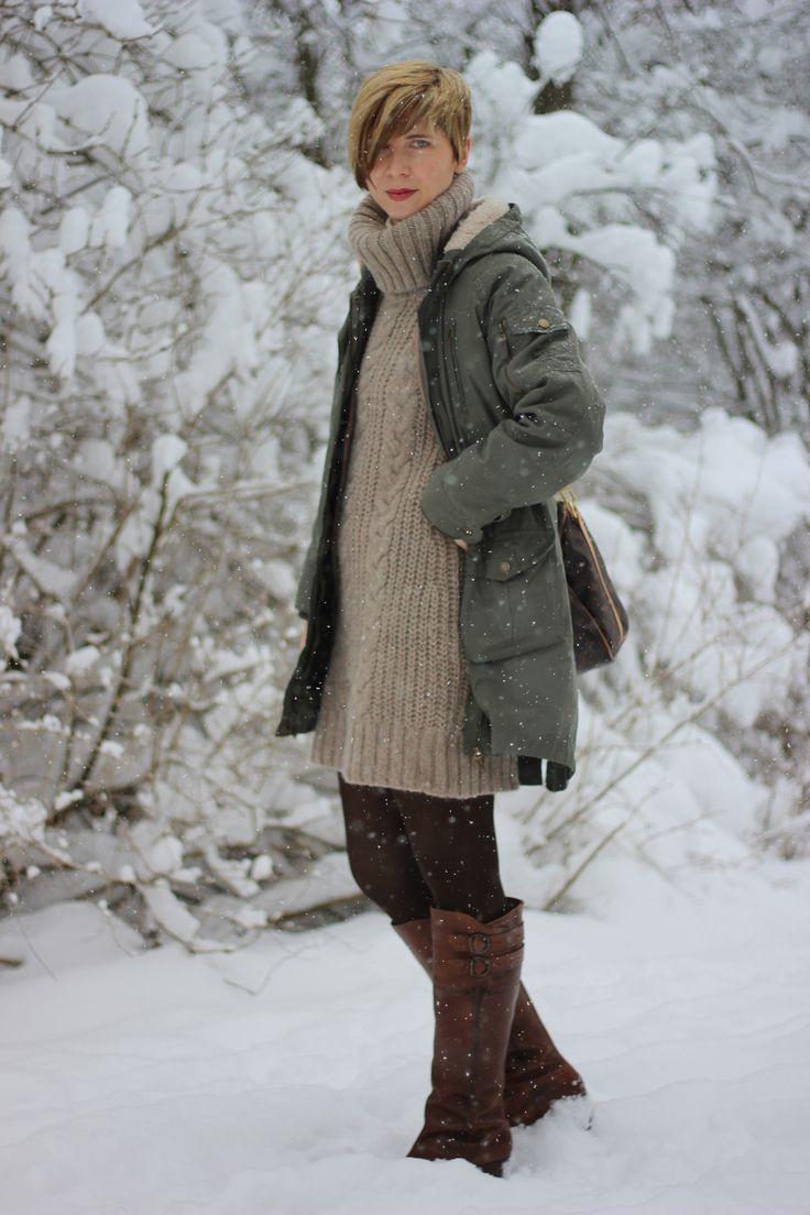 Richtig gerüstet fürs Winterwetter da draußen... warmes Strickkleid mit Rollkragen... http://www.ahemadundahos.de/irgendwie-doch-kein-silvesteroutfit-happy-new-year/