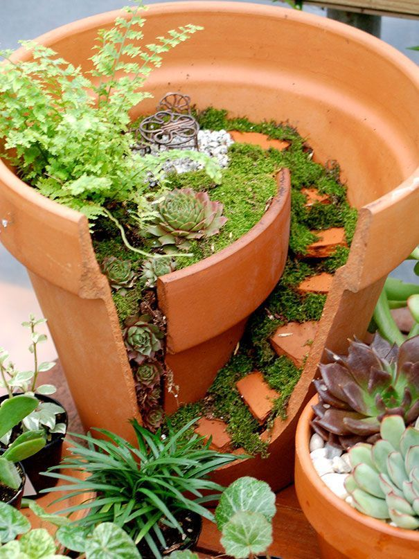 A new trend in gardening has gardeners creating all sorts of creative garden arrangements and fairy gardens out of broken pots, proving that even a broken pot can be useful and beautiful. Such pots can be created either from the shards left from an accide