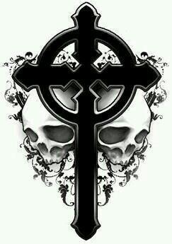Cruz con dos skull a lado