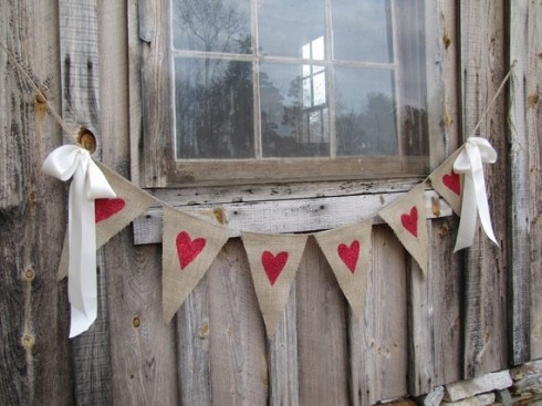 I like this burlap bunting better... especially with the ribbbon