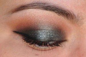 This eyeshadow pattern is so flattering on almost anyone!: Pretty Eye, Style, Makeup, Beautiful, Beauty, Eyeshadows, Smokey Eye, Hair
