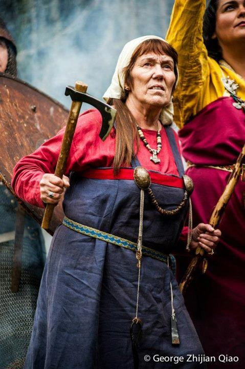 Gunnhildr of the Vikings of Bjornstad living history and educational group. -(Viking Blog  elDrakkar.blogspot.com)