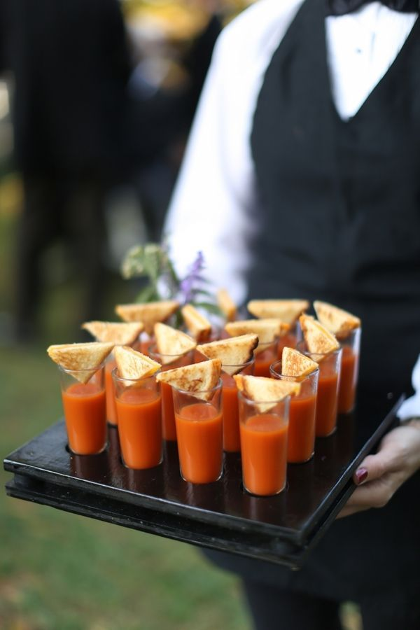 Cozy up to these Tomato Soup and Grilled Cheese Shooters for your Vineyard Weding #EdnaValleyVineyard #VineyardWeddings