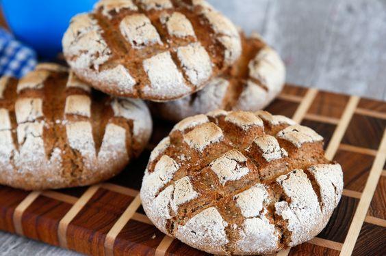 Smakrikt grovt bröd med bland annat dinkelmjöl.