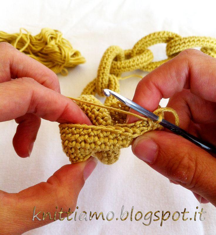 Knittiamo con Martina e Roberta: Collana a catenella all'uncinetto, kumihimo e ladderstich 1 parte.