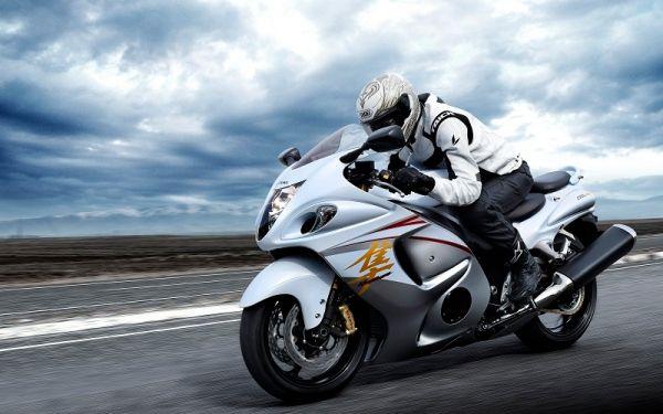 Suzuki Hayabusa Motor Tercepat di Dunia