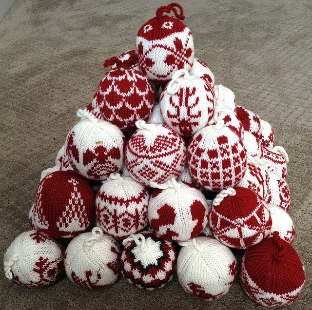 55 Christmas Balls in a Pyramid by S-t-e-v-e-n, via Flickr