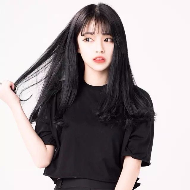 Milena A Easy Going Girl Who Has No Idea What She She Usually Very Nice But She Black Hair Korean Long Hair Styles How To Style Bangs