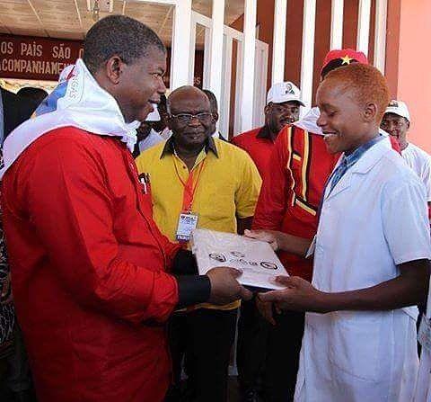 No mês da juventude, o camarada João Lourenço reafirma a urgência de colocar a investigação científica ao serviço da economia e do desenvolvimento. #MPLA #Angola #JoaoLourenco #JL #EusouJL #EuSouMPLA #Angola