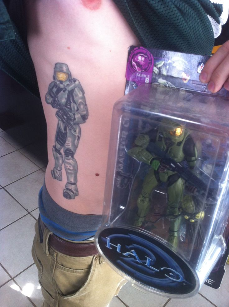 my master chief tattoo i actually found the action figure after i had the tattoo halo halo 2. Black Bedroom Furniture Sets. Home Design Ideas