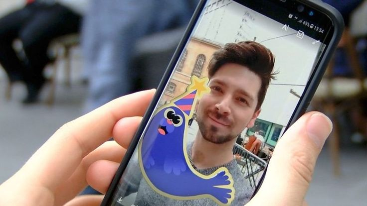 Skype gets Snapchat-style makeover - BBC News http://www.bbc.co.uk/news/technology-40119304