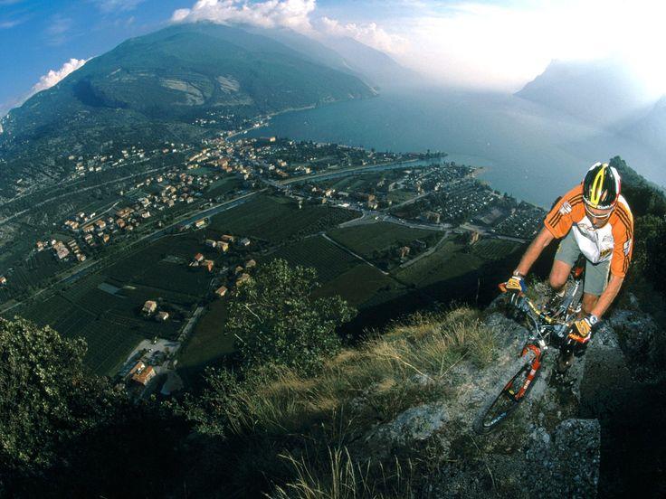 Mountain Bike-Mountain Bike    Super Sport Desktop Mountain Bike Action Background