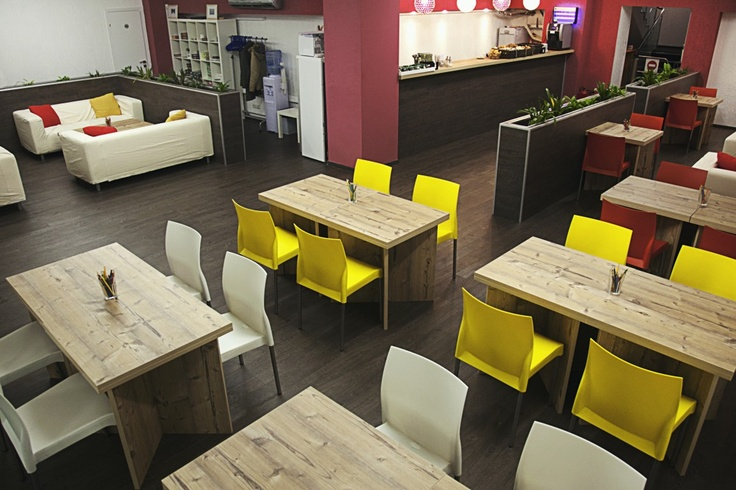 ANTICAFE: New Concept in Moscow:  Pay only for time. Tea, coffee and desserts - for free. Moscow, Taganskaya street, 29, building 1
