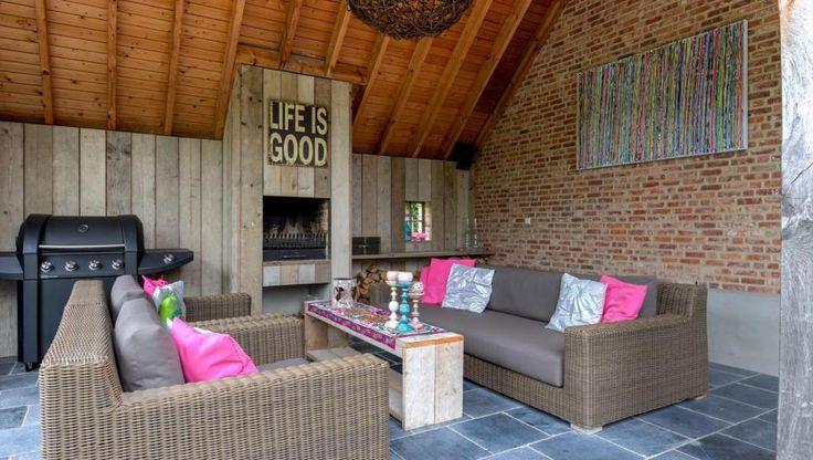 Luxe villa gelegen op ca. 2.000 m² op een rustige locatie