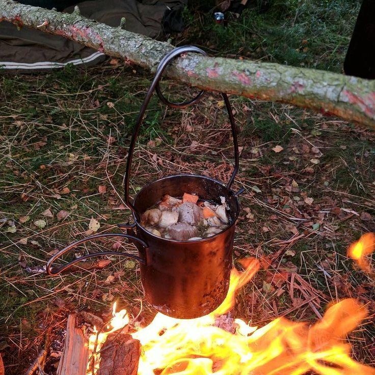 How do you make your stew courtesy of lakeland_bushcraft