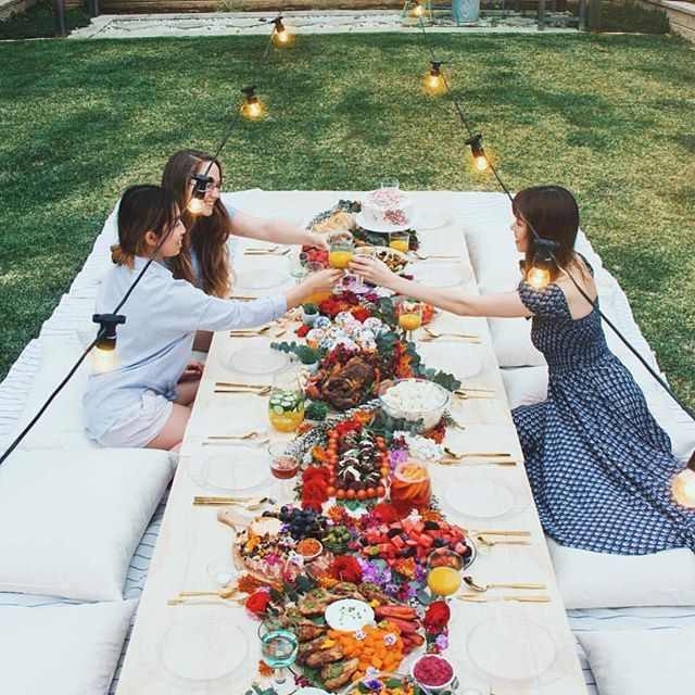 Perfect picnics with @taramilktea in our Boheme Goddess Day Dress ✨ #augustethelabel #shelivesfree