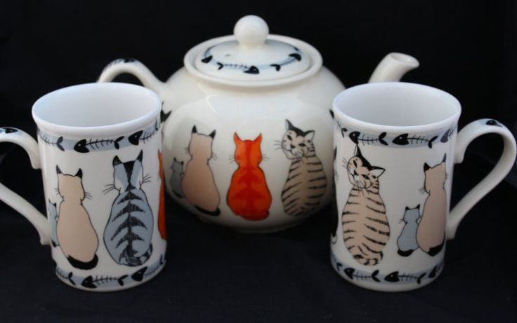 ulster weavers - Cats in Waiting teapot and mugs