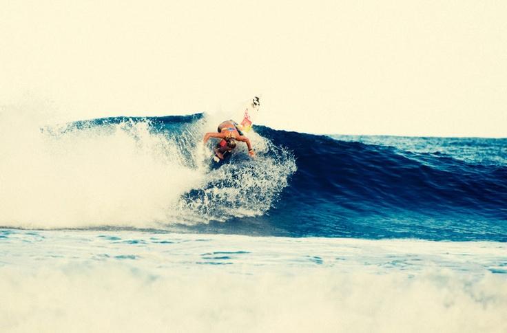 Courtney Conlogue - Surf - Team | Billabong Girls USA