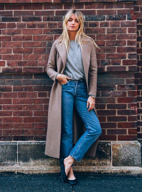 Aposte em um casacão para combinar com a sua calça jeans preferida neste inverno