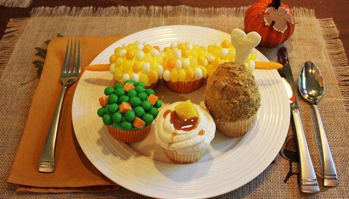 You do not have to be Martha Stewart to create a cupcake masterpiece. Not even close. Here are some amazing Thanksgiving Cupcakes even YOU can make. Really.