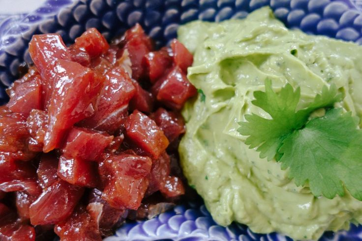 Make your own tuna tartar, served with homemade guacamole!