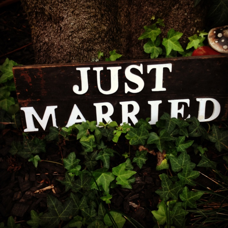 Just married rustic sign - great prop for wedding photos for hire $30 @ chiltons antiques
