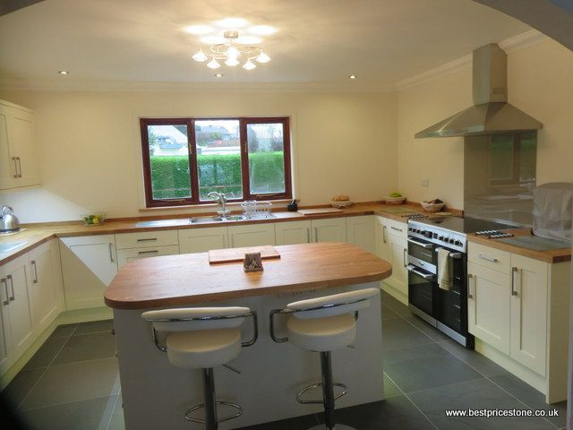 Brazilian Grey Green Slate in a cream and oak kitchen