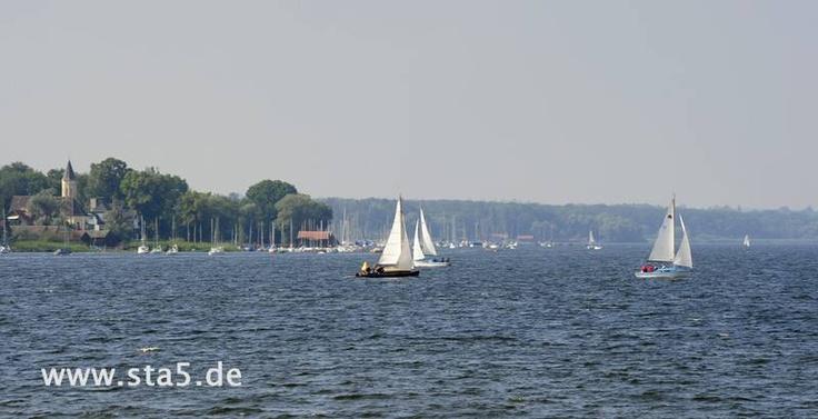 Segelboote auf dem Ammersee bei Dießen / Sailing boats on Lake Ammer near Diessen