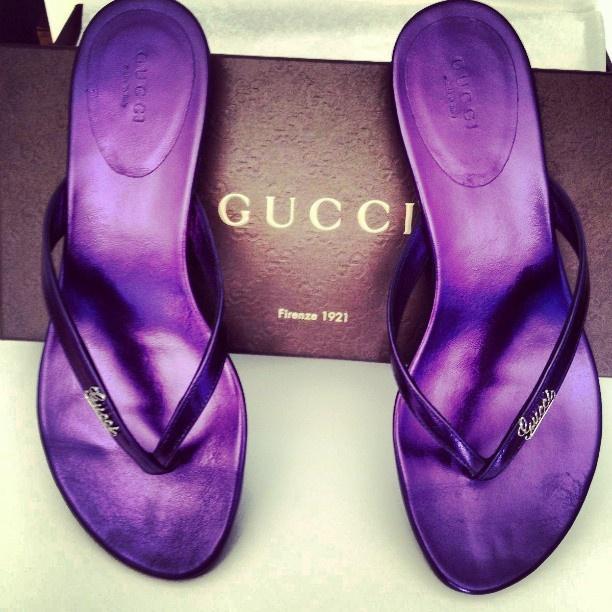 a04a8e06eee33 Gucci Flip Flops Clean In 1 Hour