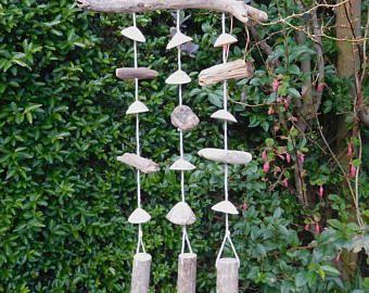 Wind Chime - jardín móvil - Garden Decor - carillón de viento de madera flotante - mar Shell carillón de viento - decoración náutica - playa madera decoración
