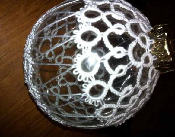 Christmas ornament with tatting