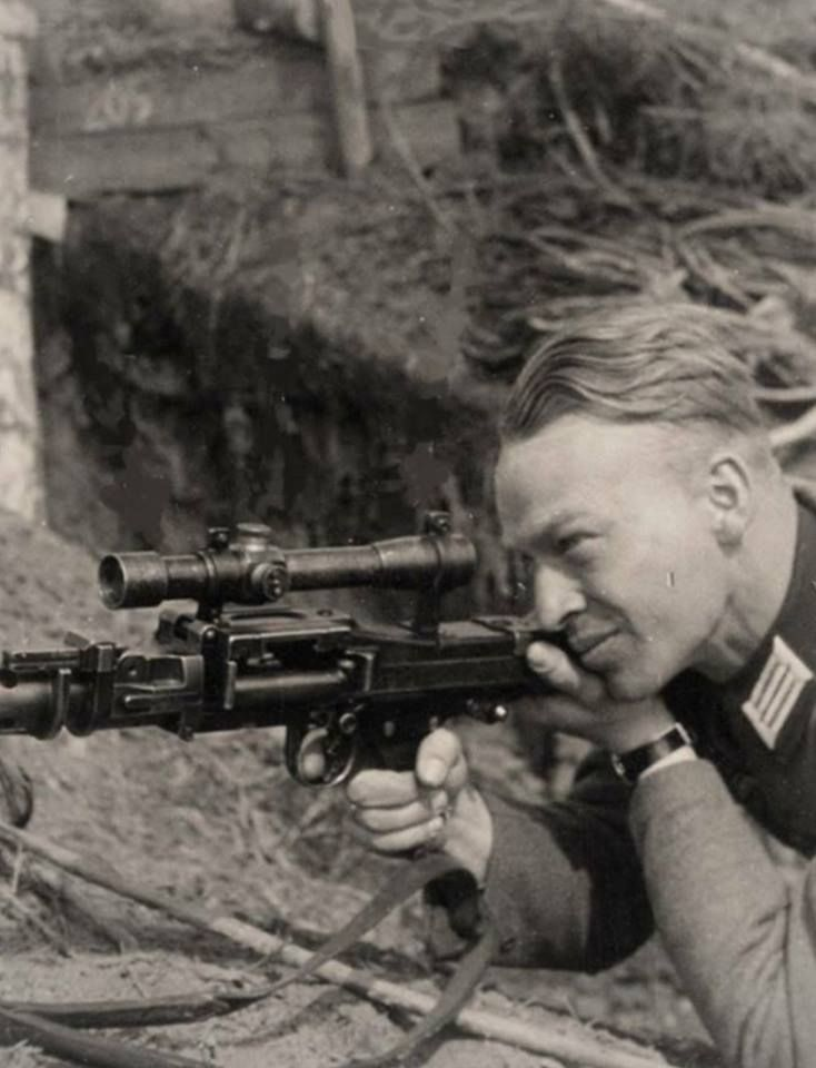 German Soldier with MG34 with Scope  This is a nice reproduction of