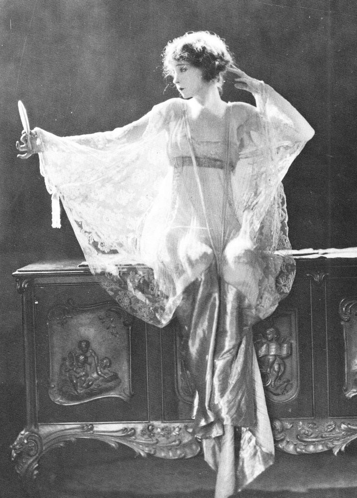 Lillian Gish photographed by James Abbe for Broken Blossoms, 1920