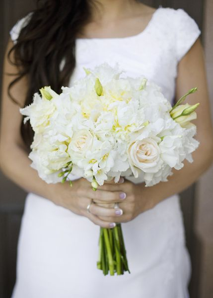 mixed white bouquet: White Gardens, Garden Roses, Wedding Bouquets, Bride Bouquets, Pale Pink, White Bouquets, Gardens Rose, Flowers, White Bridal Bouquets