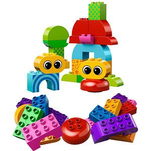Toddler Starter Lego DUPLO Building Set.  This beginner set comes with 37 pieces, it is recommended for littles ages 18+ months.  Vibrant colors in many shapes and sizes.